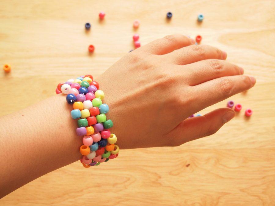 Hướng dẫn chọn mua hạt nhựa làm vòng tay 1
