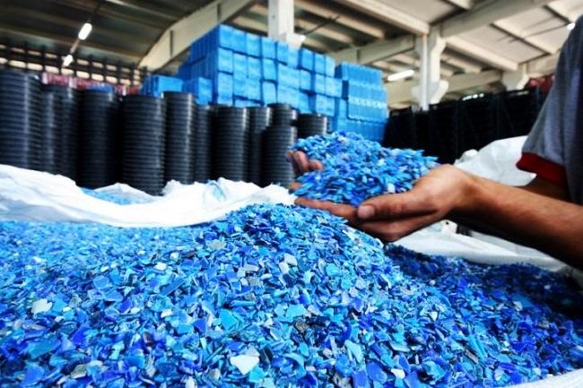 Hạt nhựa nguyên sinh chịu được áp lực cao nên được ứng dụng nhiều trong các ngành công nghiệp sản xuất