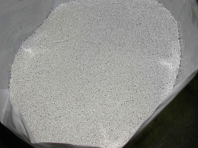 Hạt nhựa trắng điện Makrolon 2407, 2807