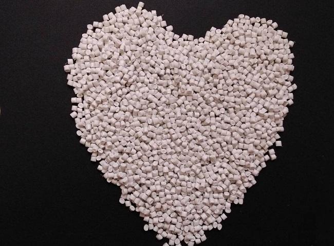 Sản xuất hạt nhựa tái chế giúp bảo tồn nguồn tài nguyên