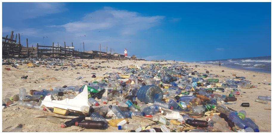 Ô nhiễm nhựa đang ngày càng trở nên kinh khủng hơn đối với con người và biển cả